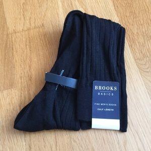 NWT Wool Brooks Socks
